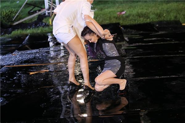 Thanh Hằng gây tranh cãi khi cứu thí sinh bị ghét nhất VNTM