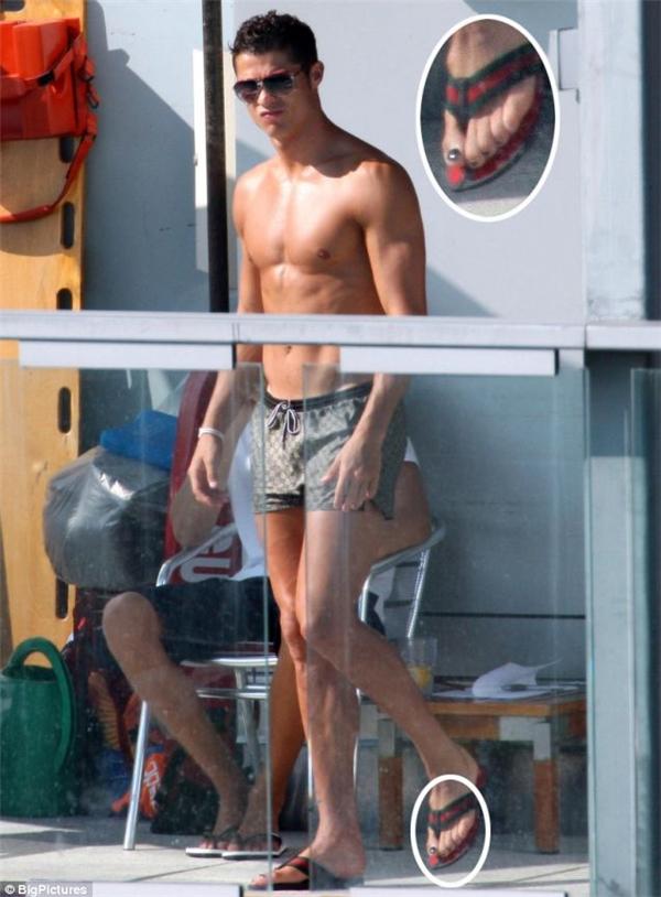 Những hình ảnh các paparazzi chụp được trong chuyến đi nghỉ của Ronaldo và Irina Shayk tại New York