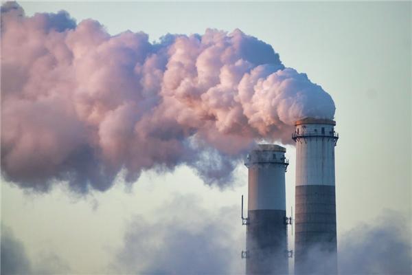 Lượng khí thải toàn cầu đang ở mức báo động đỏ. (Ảnh: internet)
