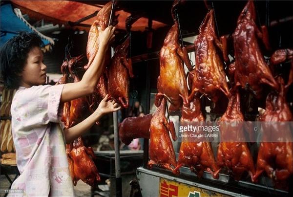 Một tiệm vịt quay ở chợ Lớn.