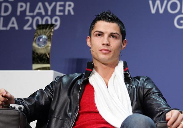 2009: mái tóc khiến ngoại hình của Ronaldo trở nên sành điệu và chất hơn nhiều