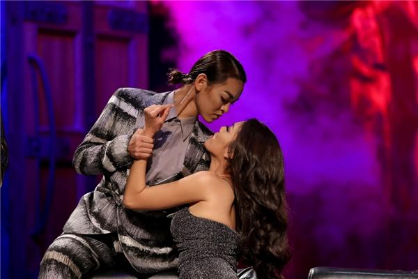 Đội Lan Khuê giành chiến thắng kép ở tập 7 dù chỉ còn một thành viên.