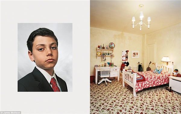 Jamie, 9 tuổi, New York, Hoa Kỳ: Jamie sống trong 1căn hộ trên 1 đại lộ lớn ở Manhattan. Cậu được gửi tới một trường tư thục đắt đỏ và được học nhiều môn khoa học khác nhau. Vào lúc rảnh rỗi, Jamiehọc judo, học bơi vàchơi đàn cello. Cậu còn tham dự khóa học tài chính trên trang webcủa Citibank. Jamie mong muốn trở thành luật sư giống như cha cậu.