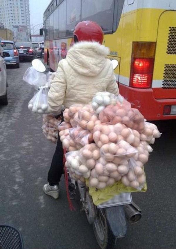 Hãy mong là đường không có lắm ổ gà.