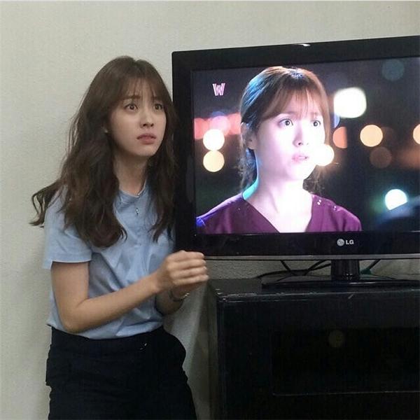 """Han Hyo Joo còn """"nhại"""" lại chính mình"""