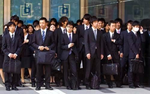 Ngỡ ngàng với số người chết vì làm việc quá sức tại Nhật