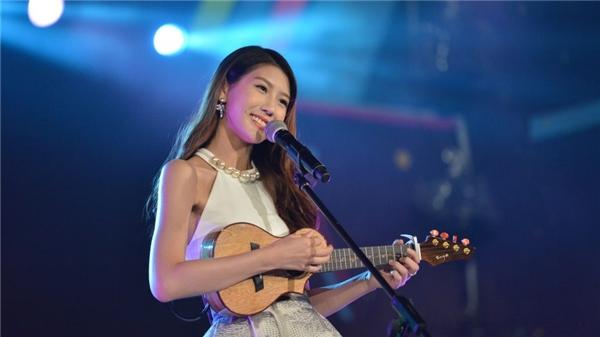"""Bài hát """"I Miss You"""" đã đưa Joyce Chu nổi tiếng khắp châu Á, đặc biệt là ở Việt Nam."""