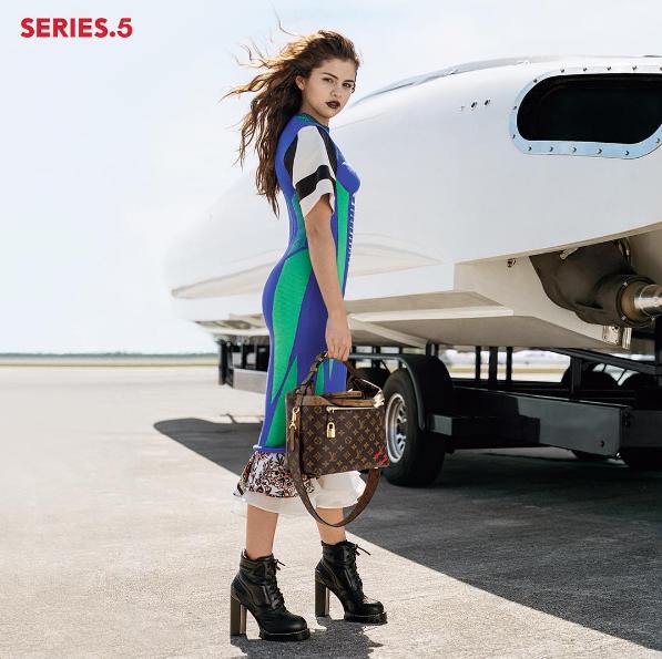 Selena đã trở thành gương mặt đại diện của Louis Vuitton.