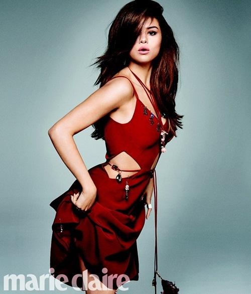 Loạt ảnh mới chứng minh Selena Gomez ngày càng xinh đẹp