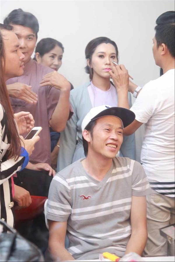 """Tuy nhiên, ít ai biết sự ưu ái mà Hoài Linh dành cho cháu gái người anh """"đặc biệt""""là lần đầu tiênnam danh hài thực hiện."""