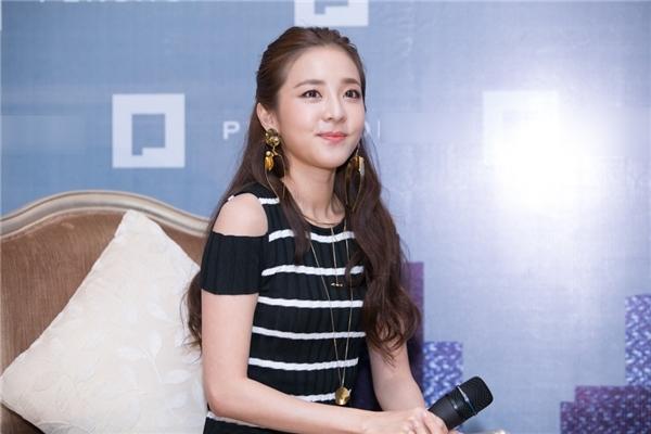 Trong 24 giờ qua, Dara đã khiến cộng đồng fan Việt điên đảo thế nào?