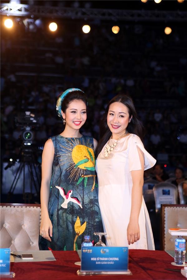 Sau một thời gian dài ở ẩn, Hoa hậu Thế giới người Việt 2007 Ngô Phương Lan tái xuất trong sự kiện này với vai trò ban giám khảo. Hiện tại, cô đang mang thai. Chính vỉ thế, Ngô Phương Lan chọn diện trang phục có phom dáng rộng nhằm che đi phần bụng.