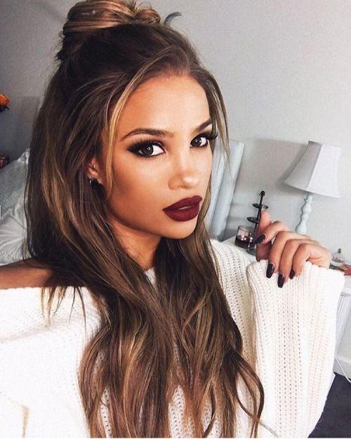Đổi trang phục và make-up một tí bạn sẽ trở thành cô nàng tiệc tùng cực kìquyến rũ.