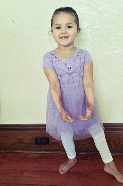 Thậm chí Mia còn không ngần ngại theo đuổi đam mê học múa ba lê của mình.