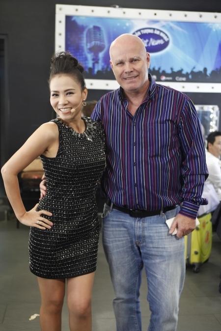 Hình ảnh mới nhất của nữ giám khảo Vietnam Idol 2016 cùng chồng trong hậu trường. - Tin sao Viet - Tin tuc sao Viet - Scandal sao Viet - Tin tuc cua Sao - Tin cua Sao