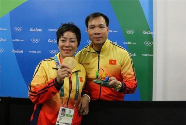 2 người phụ nữ đặc biệt khiến xạ thủ Hoàng Xuân Vinh