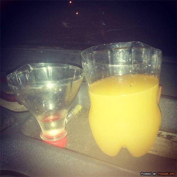 """""""Chữa cháy"""" cho những bữa tiệc thiếu cốc uống nước."""