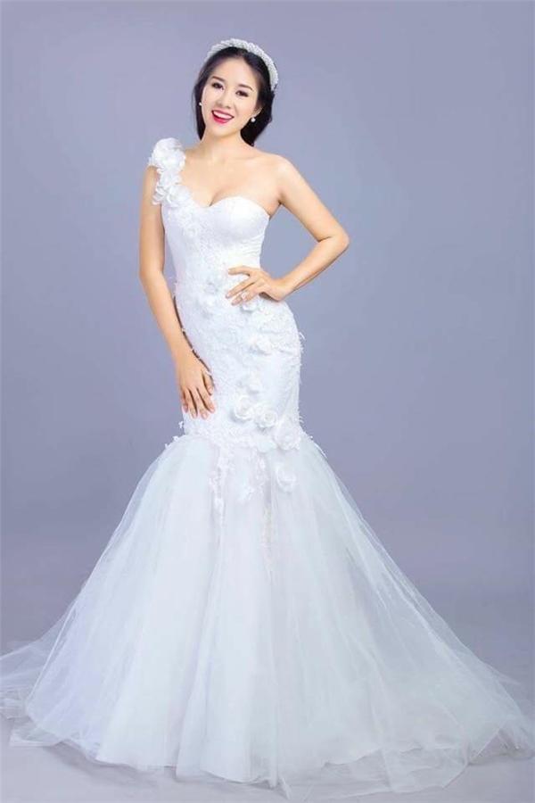 Lê Phươnglộng lẫy trong trang phục váy cưới. - Tin sao Viet - Tin tuc sao Viet - Scandal sao Viet - Tin tuc cua Sao - Tin cua Sao