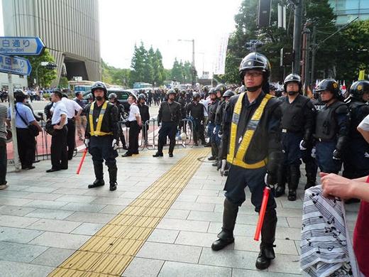"""Trong thực tế, Yakuza và cảnh sát Nhật Bản """"bắt tay"""" với nhau để đảm bảo an ninh."""