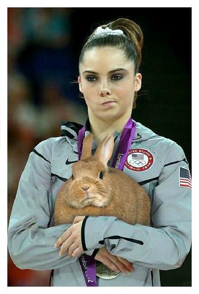 Nhà vô địch Olympic 2012 từng bị cộng đồng mạng chế ảnh giờ ra sao