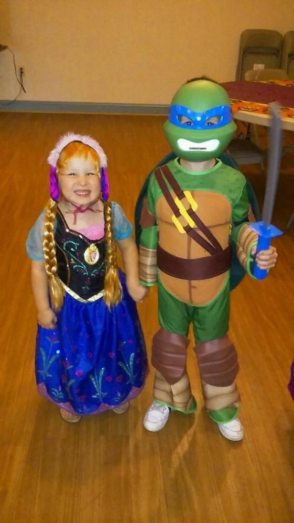 Ninja rùa và cô em gái Alice ở xứ Oz.