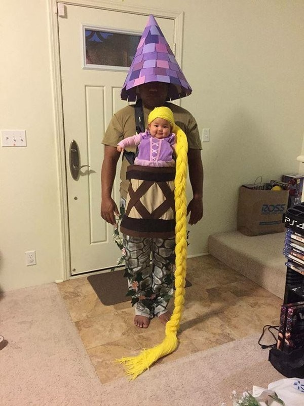 Nàng công chúa tóc mây Rapunzel và tòa tháp không thể kì cục hơn.