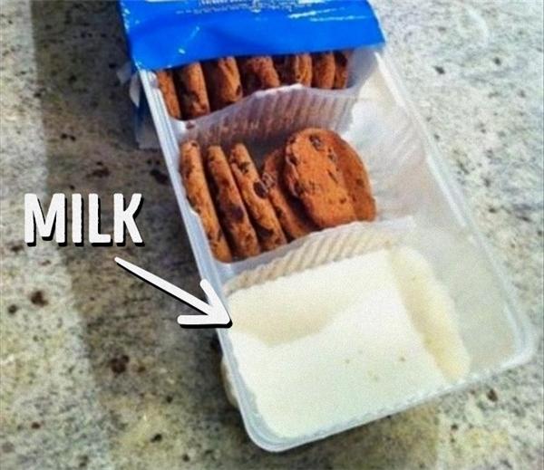 """Tận dụng khay trống để đựng sữa, chỉ có """"hội lười chảy thây"""" mới nghĩ ra được chiêu này."""