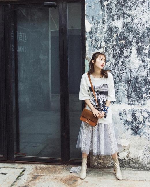 Trào lưu chụp ảnh street style luôn hấp dẫn các bạn trẻ.