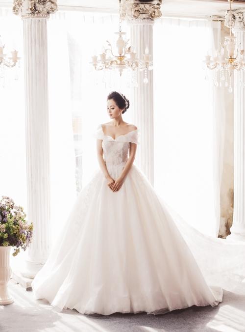 Không thể rời mắt trước nhan sắc của Tâm Tít trong trang phục cưới