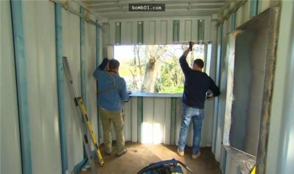 Đây là cách người đàn ông xây một ngôi nhà đẹp như mơ từ container