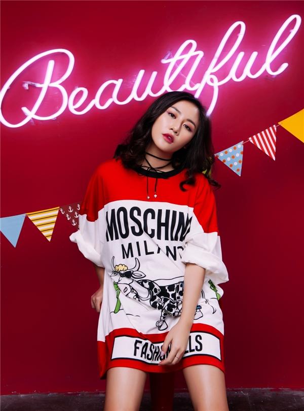 Ca khúc mang phong cách Disco Funky khá mới lạ với khán giả Việt Nam. Đây là một sự thử nghiệm âm nhạc củaVăn Mai Hương với mục tiêu cho khán giả V-Pop nhiều lựa chọn thưởng thức hơn, thông qua việc tiếp cận nhiều thể loại khác nhau.