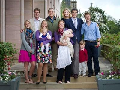 Thành viên của cácthế hệ tronggia đình công tước vùng Westminster.