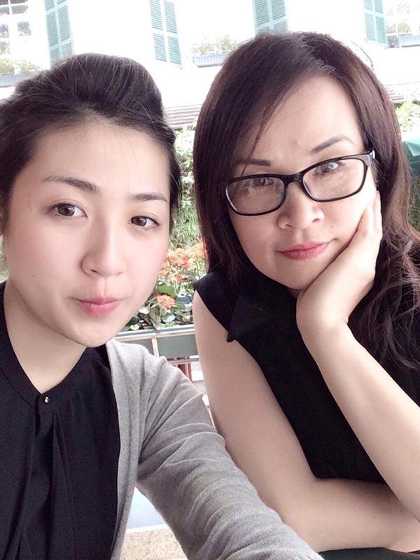Á hậuTú Anh và mẹ giống như hai chị em gái. - Tin sao Viet - Tin tuc sao Viet - Scandal sao Viet - Tin tuc cua Sao - Tin cua Sao
