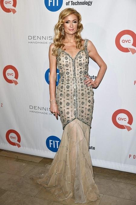 Paris Hilton vẫn vui vẻ và hạnh phúc khi cô trợ lý ngàynào nổi tiếng hơn mình.(Ảnh: Internet)