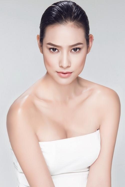 Nữ người mẫu cho rằng cần cố gắng và tiến bộ nhiều hơn để theo đuổi con đường sự nghiệp phía trước.