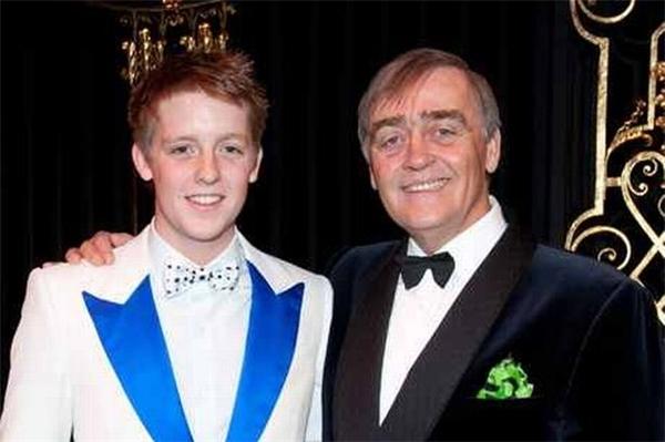 Trong sinh nhật thứ 21 của mình, Hugh đã mạnh taychi tới5 triệu bảngAnh (khoảng140 tỉ VNĐ) cho một bữa tiệc cực kì xa hoa.