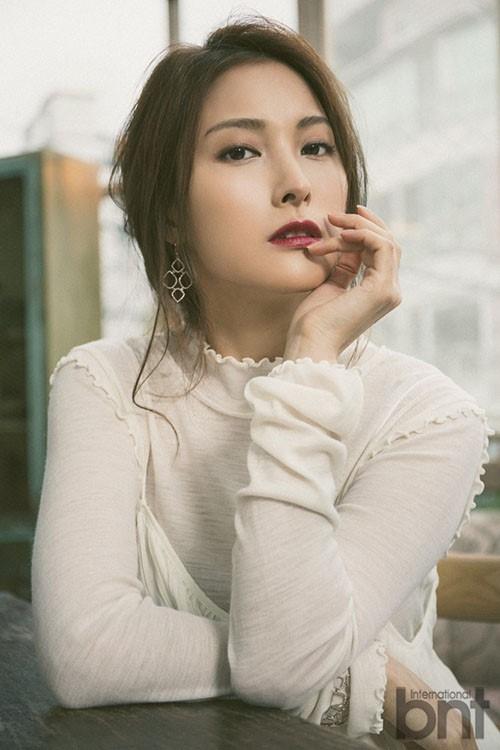 """Park Gyuri cho hay: """"Lần đến Việt Nam này của tôi khác với 4 năm trước, đó là tôi đến với tư cách cá nhân. Tôi đang ra sức tập luyện và sẽ mang đến những ca khúc vốn đã nổi tiếng của Kara với những phiên bản mới""""."""