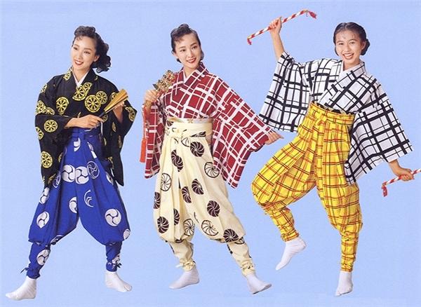 Cảm giác như đang bắt chước các bà thím Nhật Bản.