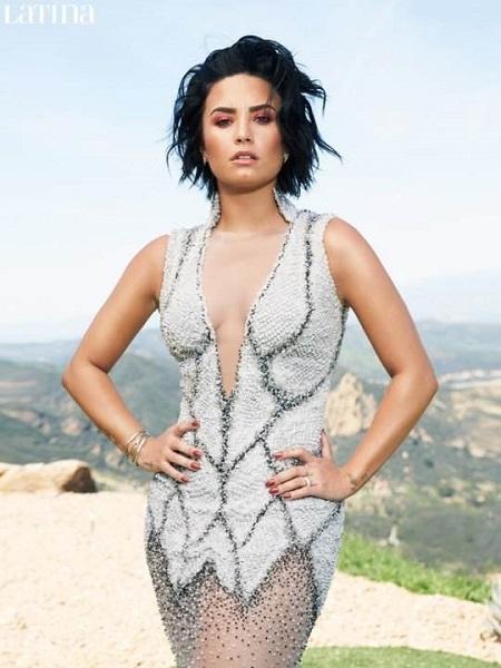 Demi Lovatotrên bìa tap chí Latina số tháng 6/2016. (Ảnh: Internet)