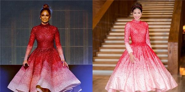 Tuy nhiên, bộ váy nhanh chóng bị phát hiện có nhiều điểm tương đồng với thiết kế mà nữ ca sĩ danh tiếng Jennifer Lopez từng diện trên sân khấu American Music Awards 2015. Phần tùng váy có sự khác biệt đôi chút bởi chi tiết xếp li, tạo phồng.
