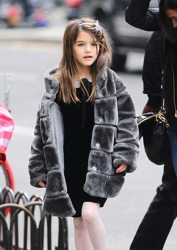 Thừa hưởng vóc dáng cao ráo và đôi chân dàitừ mẹ chắc chắn trong tương laicô bé sẽ là một người mẫu danh giá.