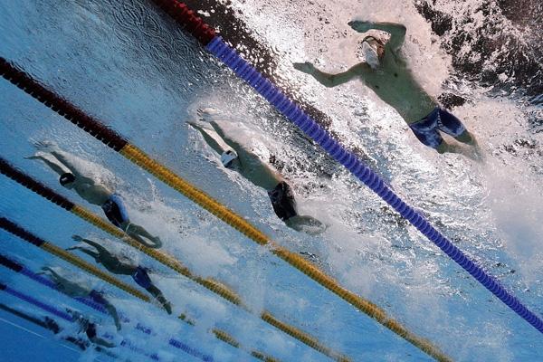 Schooling liên tục dẫn đầu trong loạt đấu và giành chiến thắng với thành tích 50 giây 39.