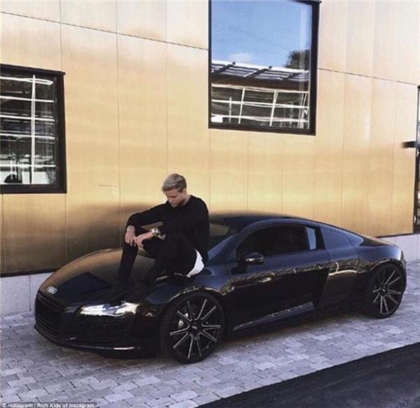 Một khi bạn siêu giàu, đây sẽ là cách bạn đối xử với siêu xe mới toanh được bố mẹ tặng.(Ảnh: Rich Kids of Instagram)