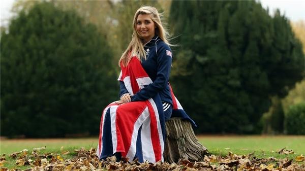 """Amber Hill - cô nàng đang """"làm mưa làm gió"""" tại Olympic Rio 2016."""