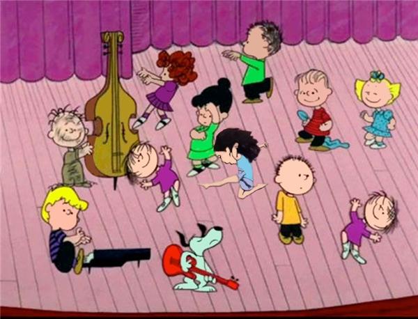 Vui chơi cùng các bạn trong phim hoạt hình.