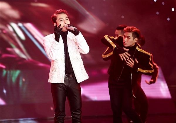 Ở một cuộc thi khác, Sơn Tùng từng xin tạm nghỉ thi The Remix vì sức khỏe báo động.