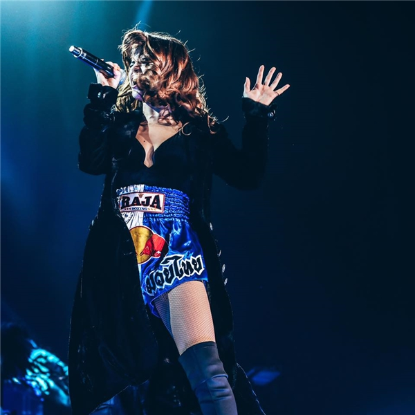 Selena gợi cảm khiến fan