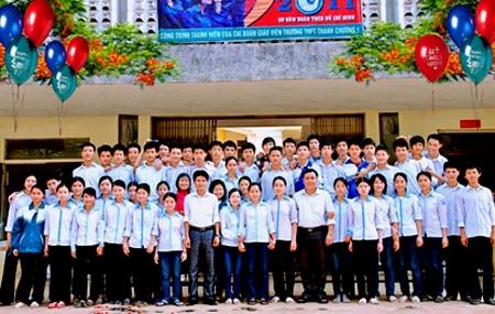 Lớp 12Acó 50 em xuất sắc đỗ 100% đại họcnăm 2011.