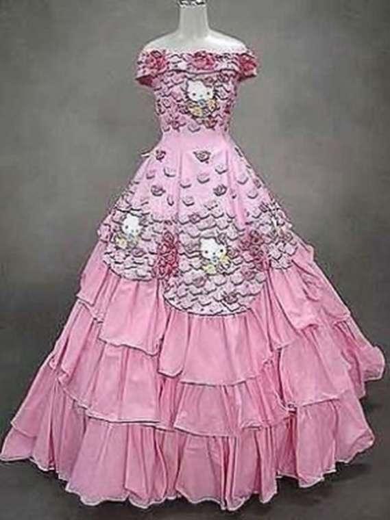 Cô dâu đích thị là tín đồ Hello Kitty.