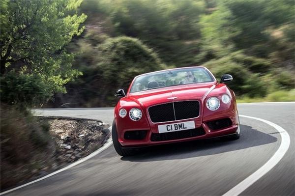 Bentley Continental GT V8 S tăng tốc từ 0 - 100 km/h trong 4,5 giây. (Ảnh: internet)